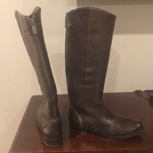 Size 9 1/2M Arturo Chiang brown leather boots